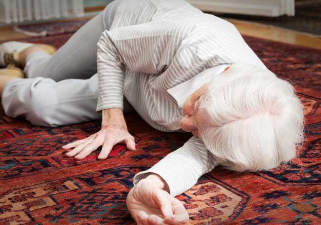 Diseñan un sensor de caídas para personas mayores