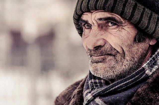 cómo tratar a una persona con Alzheimer agresiva